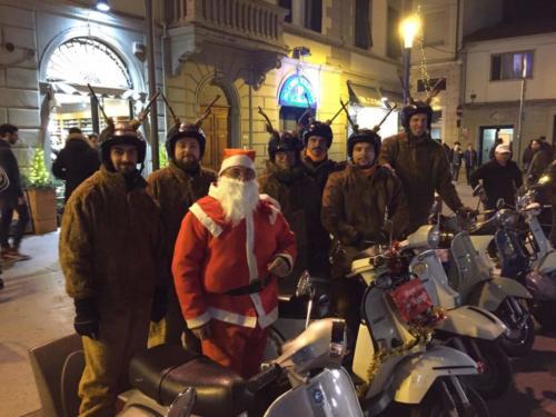 12-Babbo Natale in Vespa (24.12.2016)