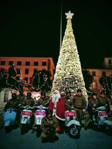27-Babbo Natale in Vespa in centro (15.12.2018) (